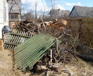 Собранный мусор во время уборки